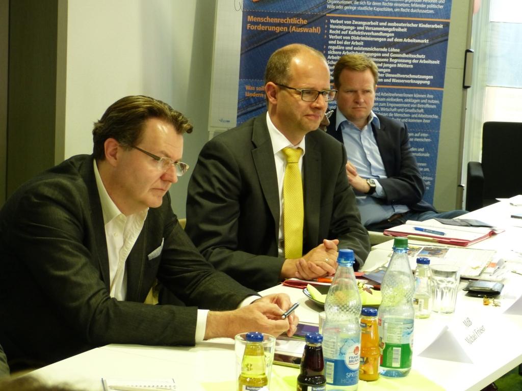 MdB Michael Frieser (CDU/CSU), MdB Michael Brand (CDU/CSU), Vorsitzender des Menschenrechtsausschuss, und MdB Frank Schwabe, menschenrechtspolitischer Sprecher der SPD (v.l.n.r.)