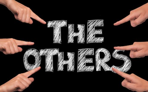 """""""Die Anderen"""" - eine typische Abgrenzung und ein gängiges Mittel im Rassismus"""