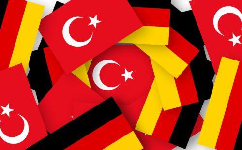 Deutsch-türkische Flaggen